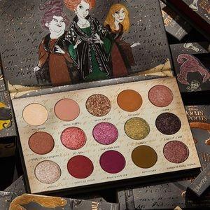 Gather Round Sisters Eyeshadow Palette Hocus Pocus